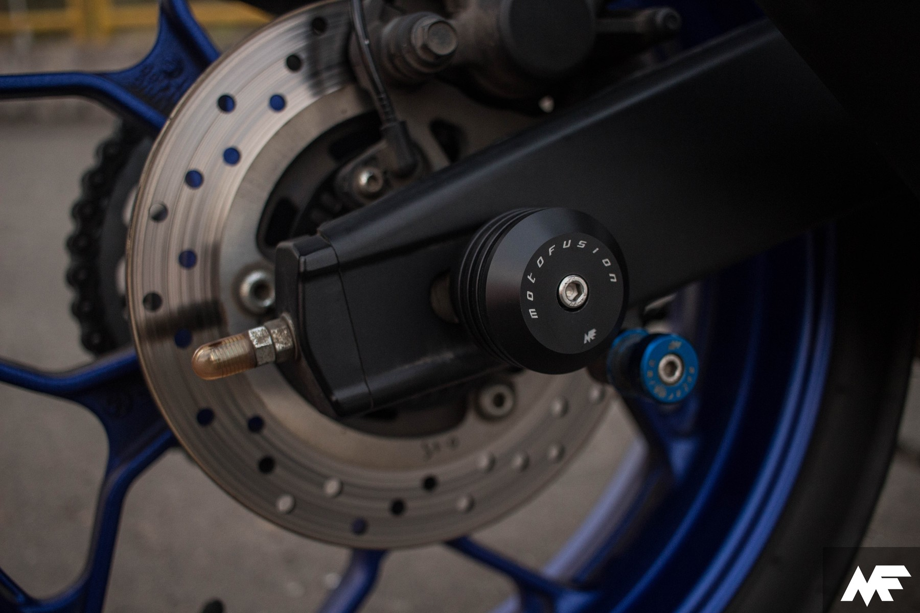 Rear Axle Sliders - Yamaha YZF R3